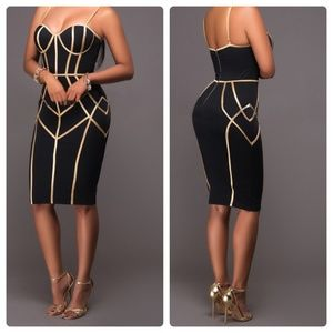 Dresses & Skirts - Black & Gold Geometric sexy bodycon dress - XS/S